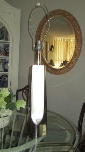 MID CENTURY MODERN LAUREL ALUMINUM SKYSCRAPER LAMP