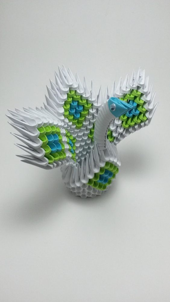 3d Origami Swan Green and Blue Diamond Pattern