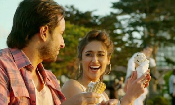 Happy Ending Movie Review | #HappyEnding Movie Review  http://goo.gl/x2aiCW  Yudi (Saif Ali Khan )is an author who hasn't composed anything for a couple of years. He is found between discovering spark and discovering adoration. Final Word: Happy consummation is blend of past movies of saifali khan.