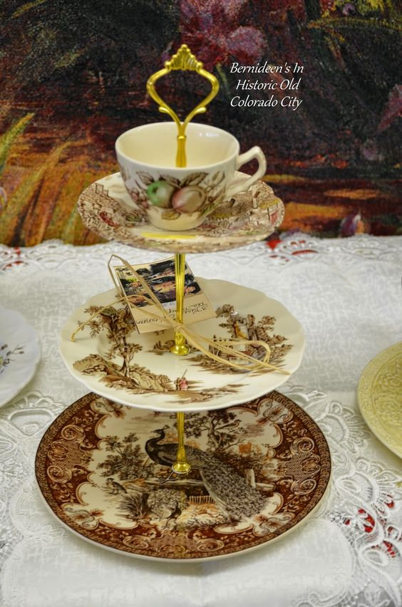 Bernideen's in Historic Old Colorado City: BERNIDEEN'S HAS LOTS OF AFTERNOON TEA TRAYS