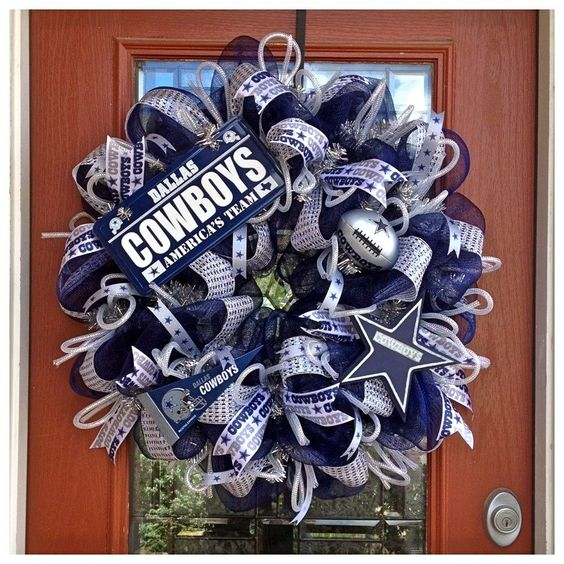 Cowboys Wreath- Crafts By Kristen Reyes (Facebook, Etsy)