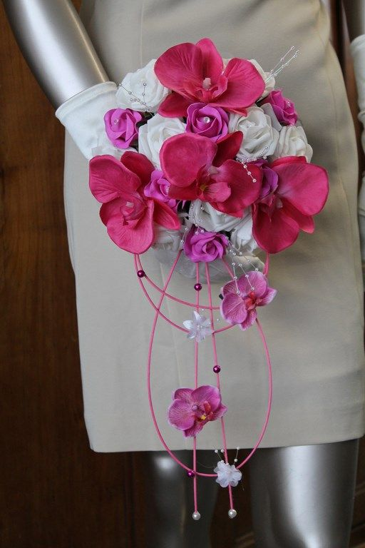 bouquet mariage a r compos roses fushia roses blanche. Black Bedroom Furniture Sets. Home Design Ideas