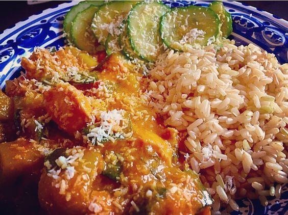 Ik heb #extra #eten gemaakt @sherydah.nl en je kunt nog 2 #maaltijden #bestellen met #superfood en het is #uiteraard #organic  Het #menuvandedag is #Thaise #Curry van #Kip met #Kokos en #wakame met #Rijst en #zoetzure #komkommer