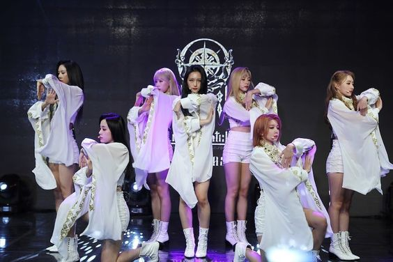 """DreamCatcher Talks About Making Comeback With Game Collab, Support From Dal Shabet, And Competing On """"V-1"""""""
