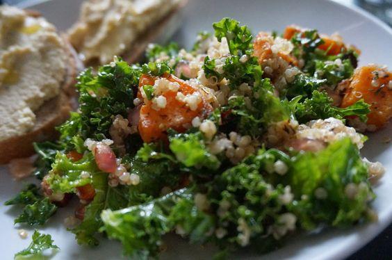 Citron Myrtille: Salade de Kale, patate douce rotie et quinoa.