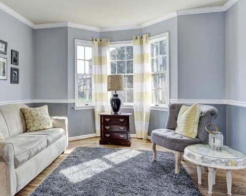 White Chair Rail Trim In A Blue Living Room Dining Room Colors Blue Living Room Dining Room Paint Colors