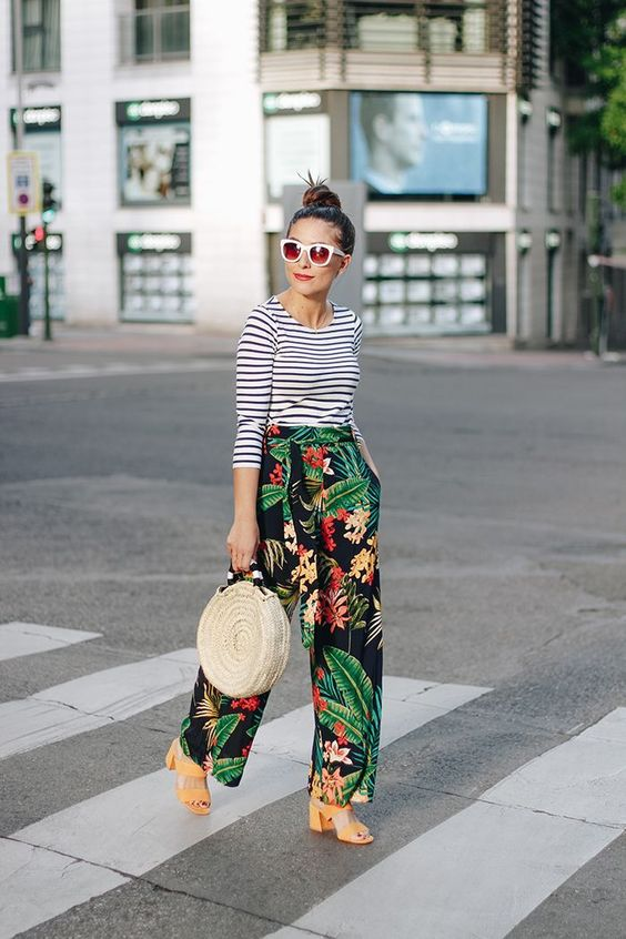 pattern play | striped top with tropical print pants | casual spring / summer outfit inspiration | modern street style