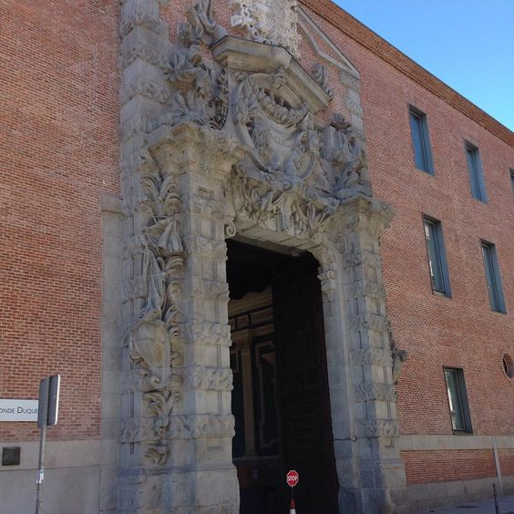 #biblioteca #condeduque #madrid by juancarlosg.q