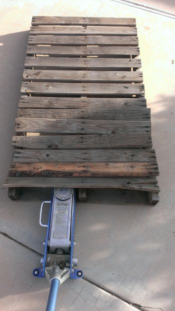 how to take apart a pallet without cracking it