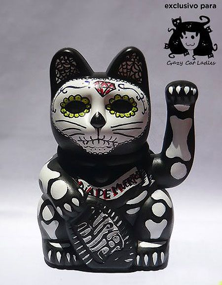 """Marcela Maldonado Customizes Japanese """"Lucky Cats""""   Day of the Dead - Catster"""