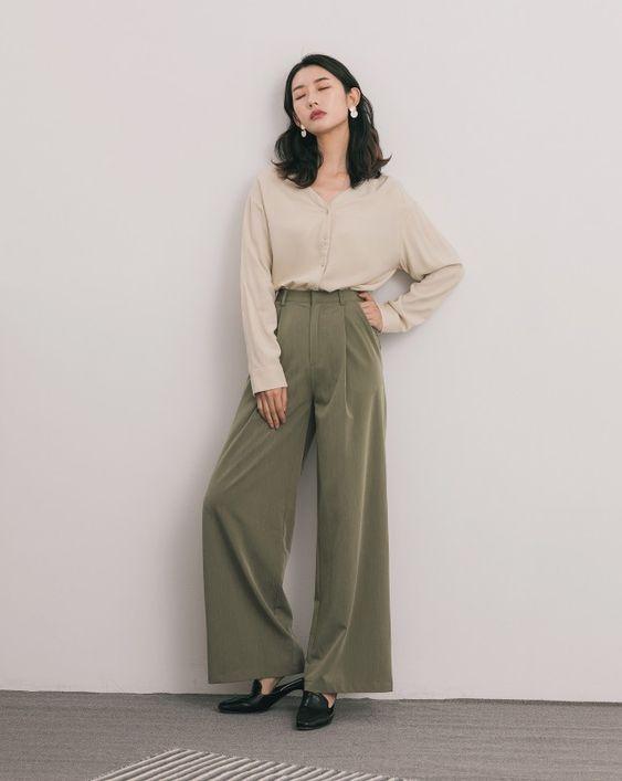 極簡優雅微透肌V領襯衫|女裝|MEIER.Q