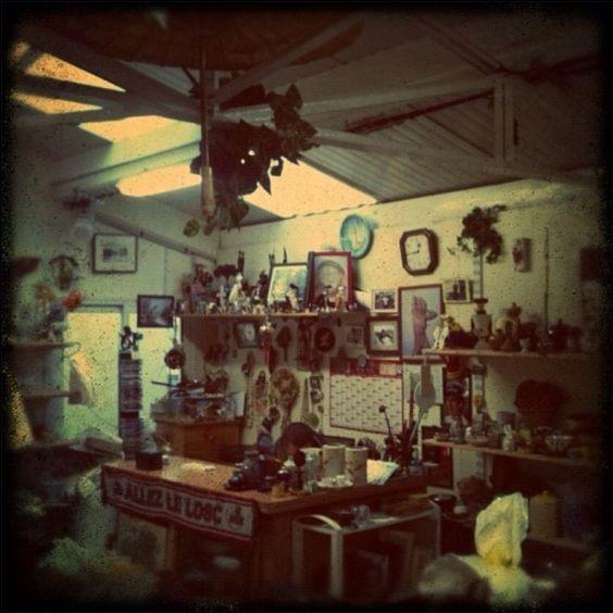 Emmaüs #bricabrac #oldthings #charityshop #emmaus » @fedora75 » Instagram Profile » Followgram