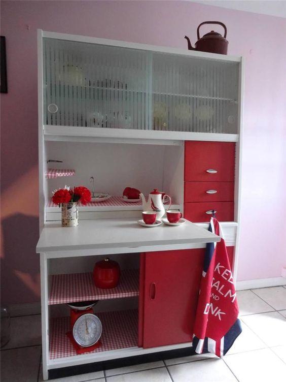 Retro 1950's Kitchen Red + White Hygena Larder kitchenette ...