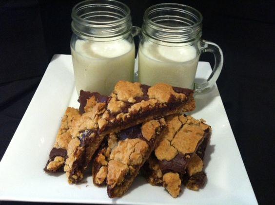 Chewy Ooey Gooey Fudge Oatmeal Bars