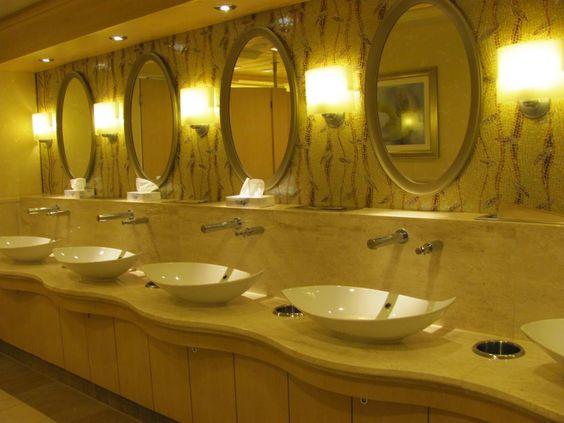 Salle des toilettes sur l'Allure of the seas (très belles) (Janvier 2011)