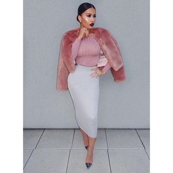 Yesterday's #OOTD  Top @nakedwardrobe Skirt @hotmiamistyles Coat @houseofcb Shoes @gianvitorossi #glamrezy #amrezy