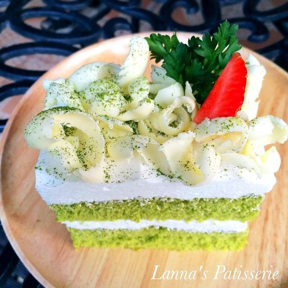 Macha Greentea Chiffon Cake (ชิฟฟ่อนชาเขียว) Designed By Lanna 's Patisserie ขนมอบเชียงใหม่ โฮมเมดเชียงใหม่ เค้กเชียงใหม่ @ Chiang mai Thailand #greentea #chiffon cake #ชาเขียว #ชิฟฟ่อนเค้ก https://instagram.com/lanna_patisserie/ https://www.facebook.com/lanna.patisserie #เค้กเชียงใหม่ #เค้กวันเกิดเชียงใหม่ #ชิฟฟ่อนชาเขียวเชียงใหม่