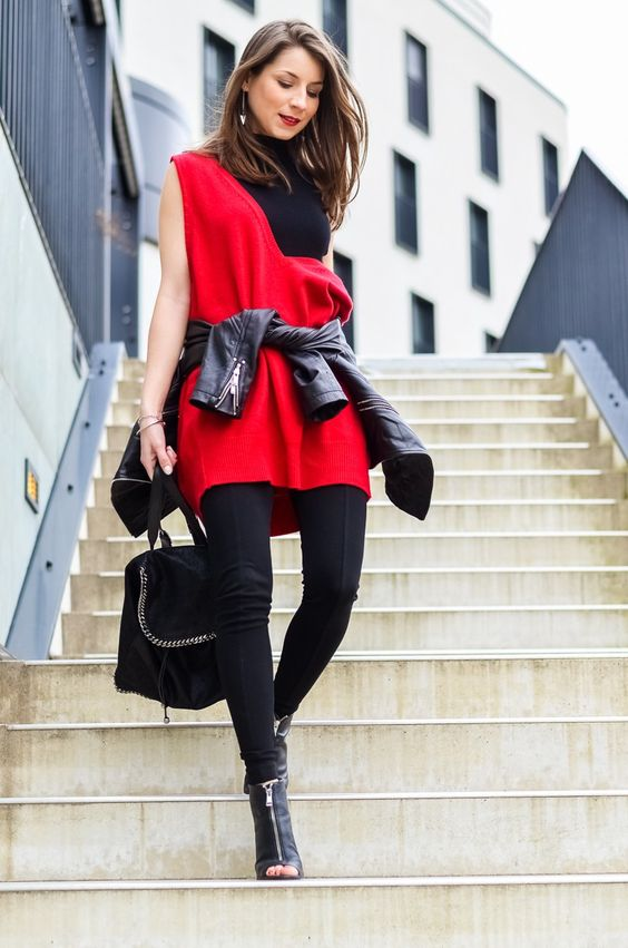 Outfit Look Style Casual Chic Dorothee Schumacher Red V Neck Turtleneck