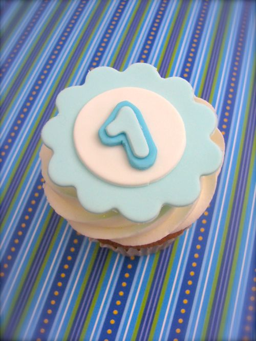 Edible Cake Decoration Numbers : Edible fondant letter or number cupcake toppers....edible ...