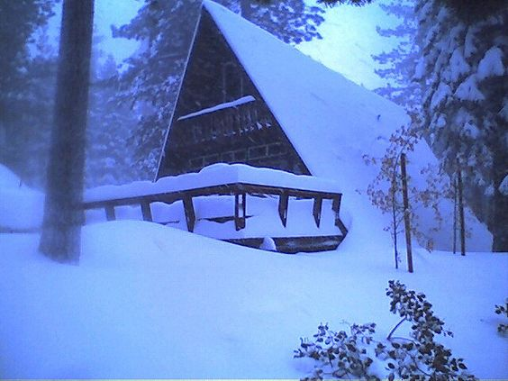 although judging by the december weather, lake tahoe will look more like this when i go :)