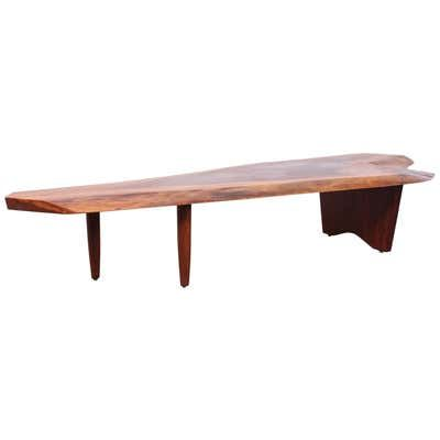 George Nakashima Coffee Table In 2021 Walnut Coffee Table Coffee Table George Nakashima Furniture