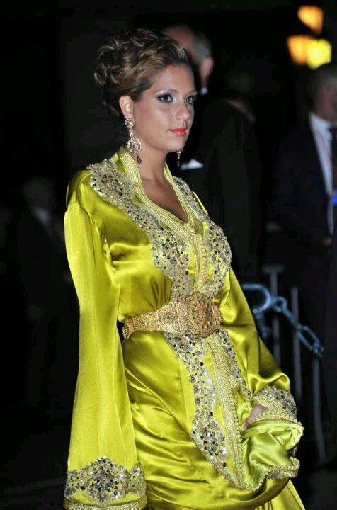 Satin de soie jaune maroccan caftan cloth pinterest for Caftan avec satin de chaise