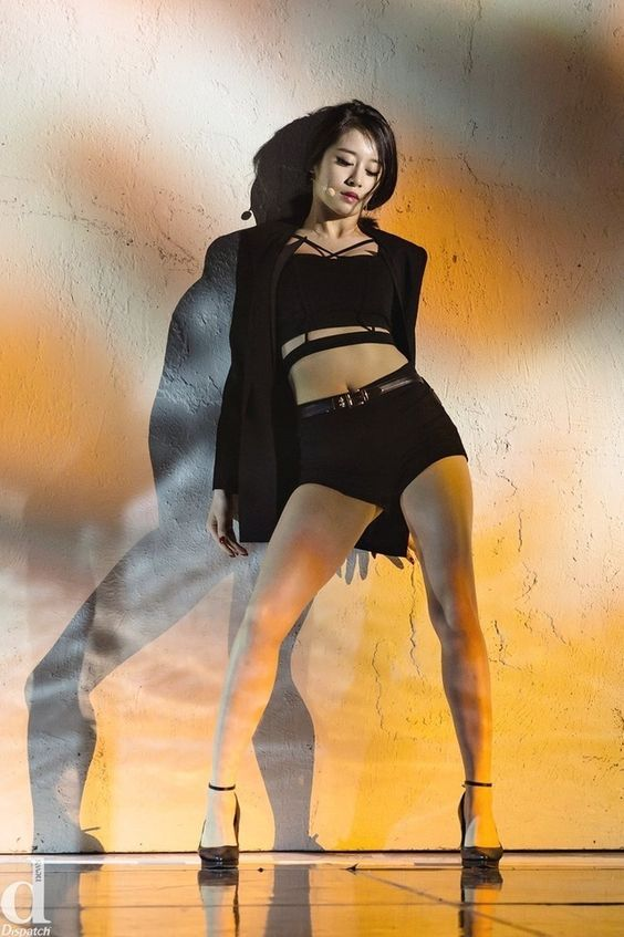 10 Times T Ara S Jiyeon Showcases Her Ant Waist Girl Body T Ara Jiyeon Female