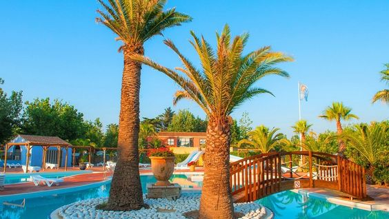Camping Marseillan Plage Homair, location camping pas cher à Marseillan Plage au Camping Nouvelle Floride Beach Club prix promo Homair Vacan...
