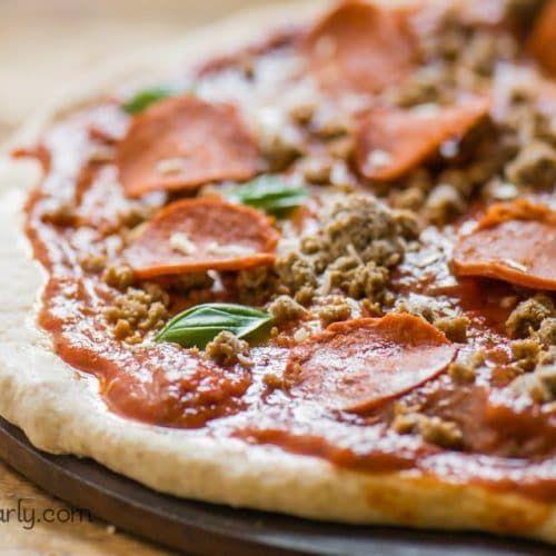 Vegan Pepperoni Pizza In 2020 Vegan Pepperoni Vegan Pepperoni Pizza Vegan Pizza Recipe