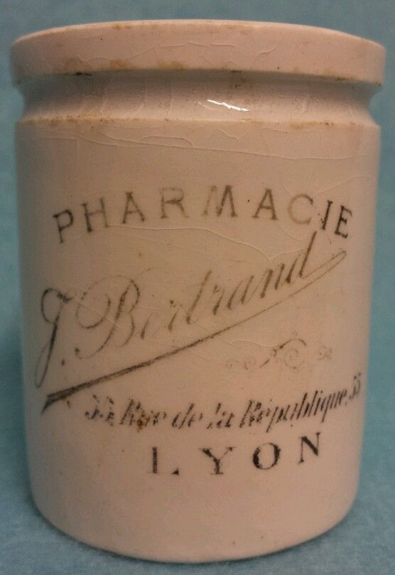 PHARMACIE LYON FACE CREAM/OINTMENT POT ... antique French advertising ironstone