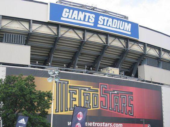 Old Giants Stadium in 2004