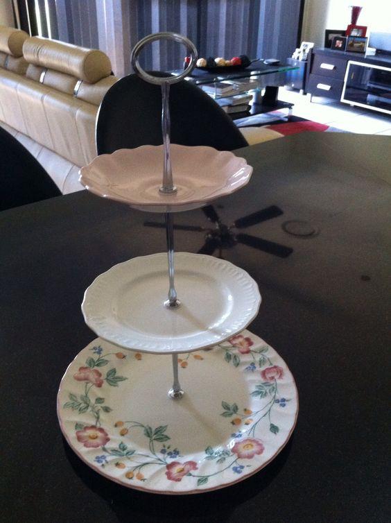 Vintage hi tea cake stand