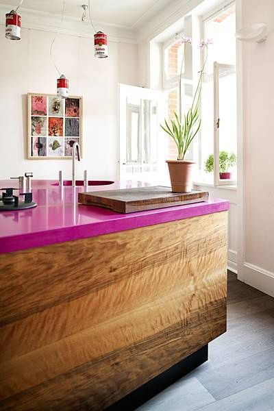The radiant orchid counter tops make a huge statement in this room. #rugsnowdesign