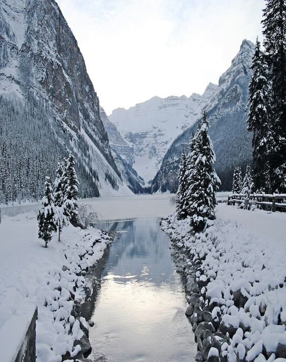 Lake Louise, Alberta, Canada photograph from @LouiseMontgrain: