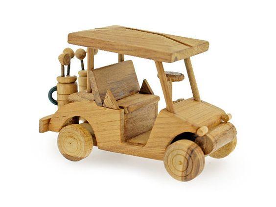 He encontrado este interesante anuncio de Etsy en https://www.etsy.com/es/listing/153049133/juguete-de-madera-coche-golf-en-hecho-a