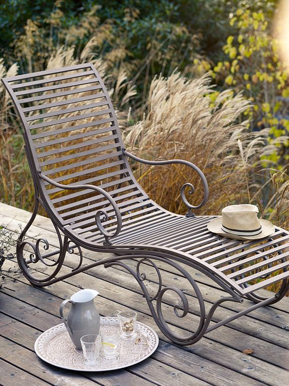 French inspired elegant Metal Lounger NEW. Online store. www.coxandcox.co.uk. Outdoor lounger L. 151 h 101 w 57cm. Looks delightful and is a really luxurious piece for any garden. I want !: