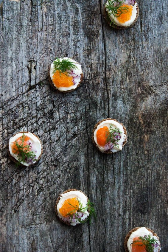 Nordic Canapés with Roe and Gravlax | My Blue&White Kitchen