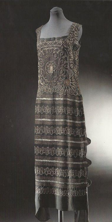 Chanel evening dress, silk, 1922: