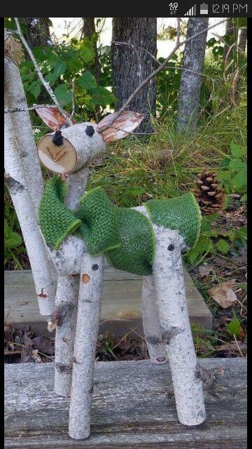 Cute wooden deer christmas outdoor pinterest cerf for Spot exterieur noel