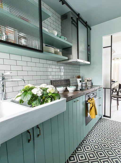 Mietowy Kolor W Aranzacji Wnetrz Kitchen Inspirations Kitchen Design Green Kitchen Designs