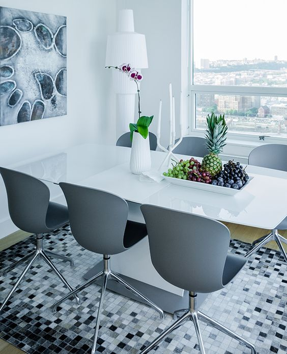 Boconcept descends on jersey city with danish design for Boconcept dining table
