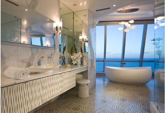 Banheiro com vista para Miami