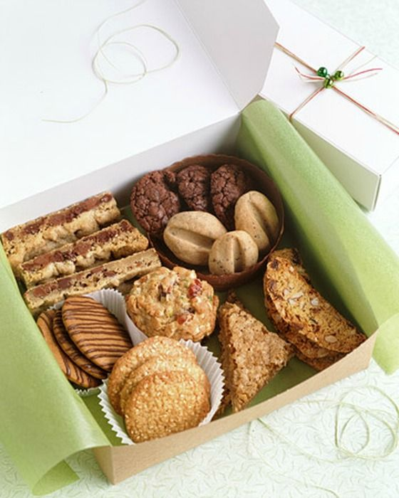 Holiday Cookie Exchange Ideas: Keep it simple and package cookies in bakery boxes tied with twine