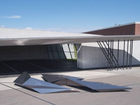 Zaha celebra 20 anos de sua primeira obra Arquiteta cria instalação junto à Swarovski