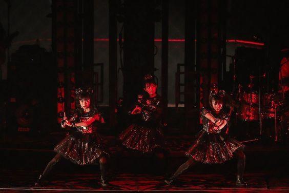 "RO69(アールオーロック)総合さんのツイート: ""【完全レポ】BABYMETAL、東京ドーム激震の1日目「RED NIGHT」を速攻レポート!…"
