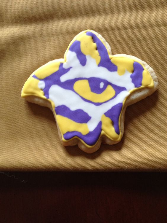 Geaux tigers. LSU eye of the tiger cookie