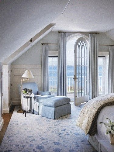 Victoria hagan beach house interior design light blue for Blue beach bedroom ideas