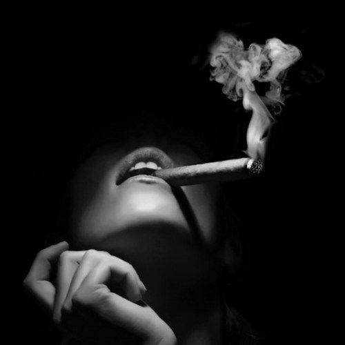 love lounge smoking fetis