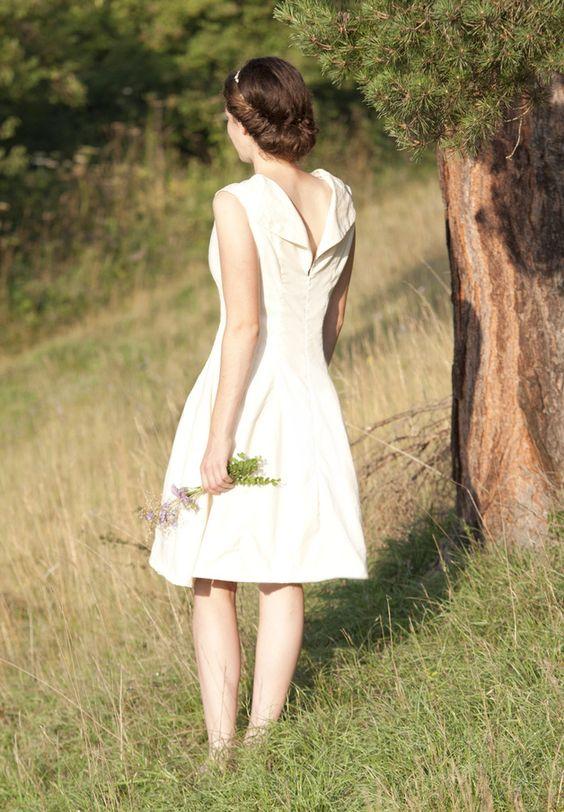 Kleider - Bente - Brautkleid aus Ahimsa-Seide (Eri) - ein Designerstück von gruen_stich bei DaWanda
