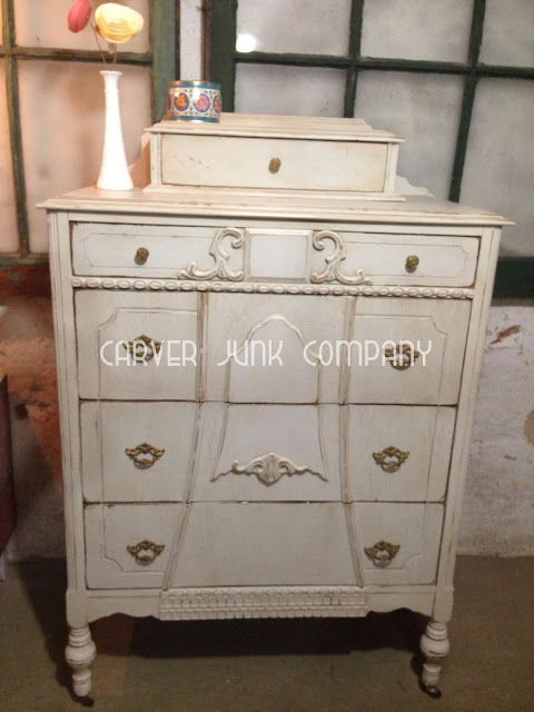 chest of drawers/shabby chic